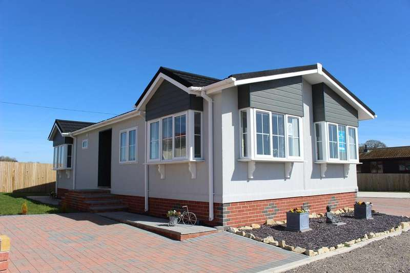 2 Bedrooms Park Home Mobile Home for sale in Castleton Road, St Athan, CF62