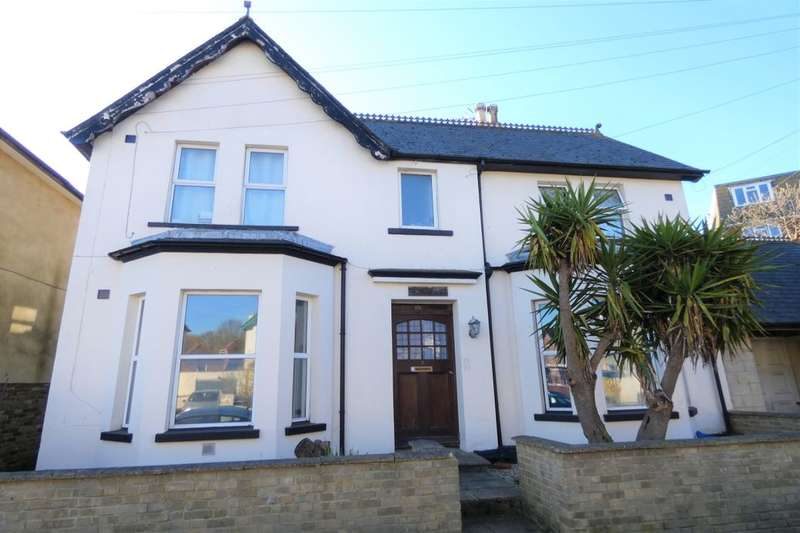 4 Bedrooms Detached House for sale in Claremont Road, Folkestone, CT20