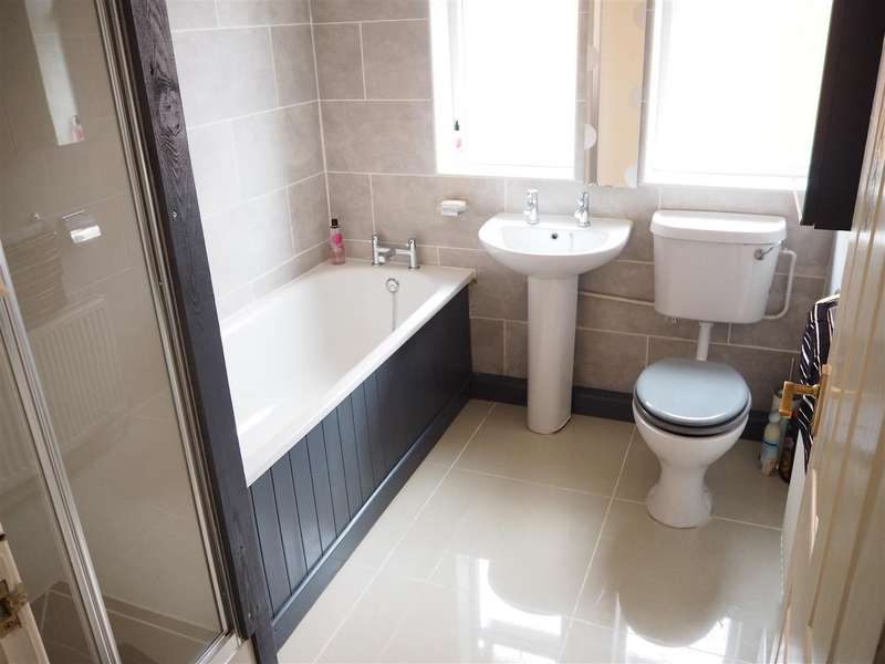 3 Bedrooms Property for sale in Fairfield Avenue, Balderton, Newark