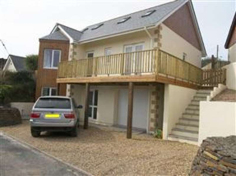 4 Bedrooms Detached House for rent in Bolenna Lane, Perranporth