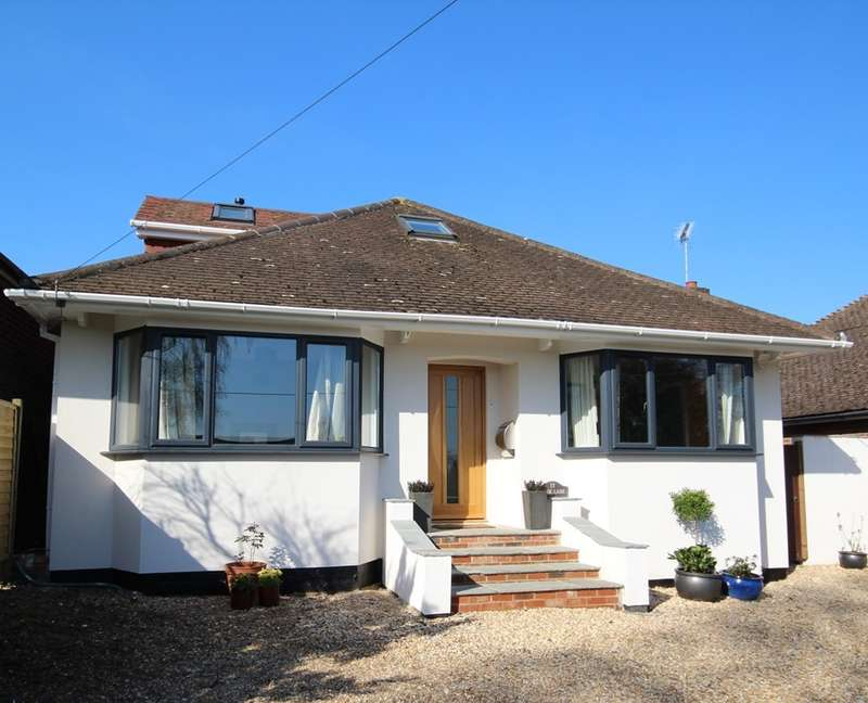 4 Bedrooms Detached Bungalow for sale in Park Lane, Charvil, RG10