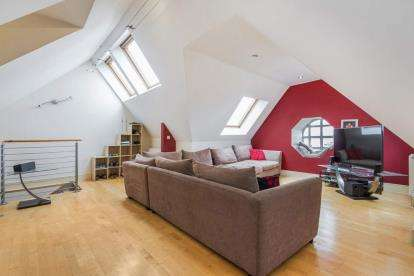 3 Bedrooms Flat for sale in Morrison Street, Tradeston