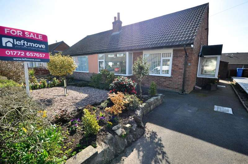 2 Bedrooms Semi Detached Bungalow for sale in Marsh Drive, Freckleton, Preston, Lancashire, PR4 1HJ