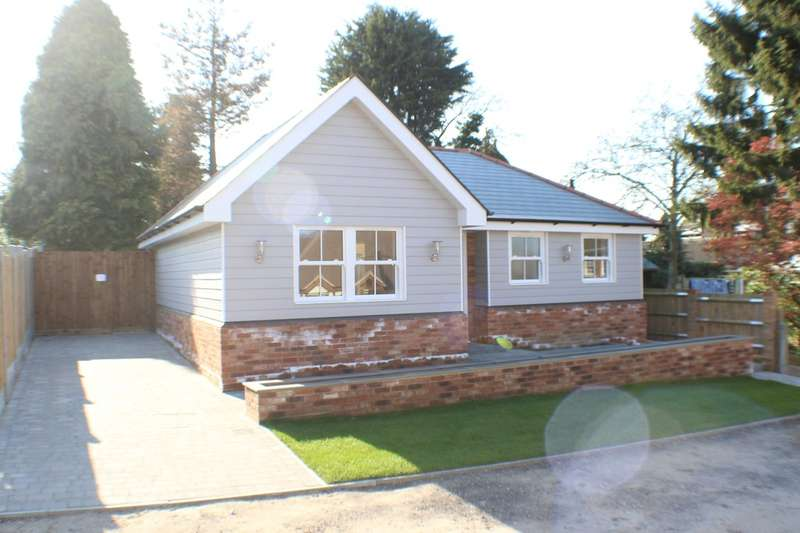 2 Bedrooms Detached Bungalow for sale in Stacey Drive