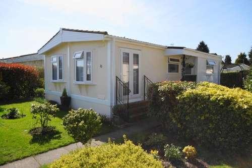 2 Bedrooms Park Home Mobile Home for sale in St Leonards Farm Park, West Moors
