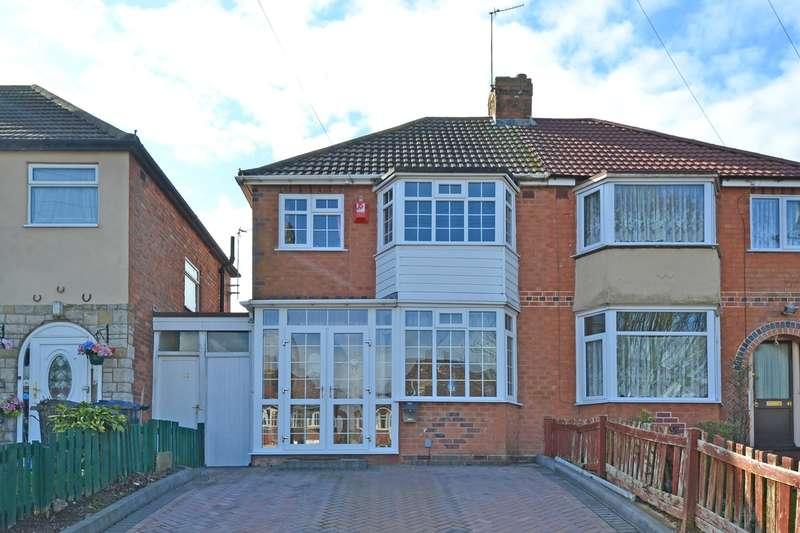 3 Bedrooms Semi Detached House for sale in Ryde Park Road, Rednal, Birmingham, B45