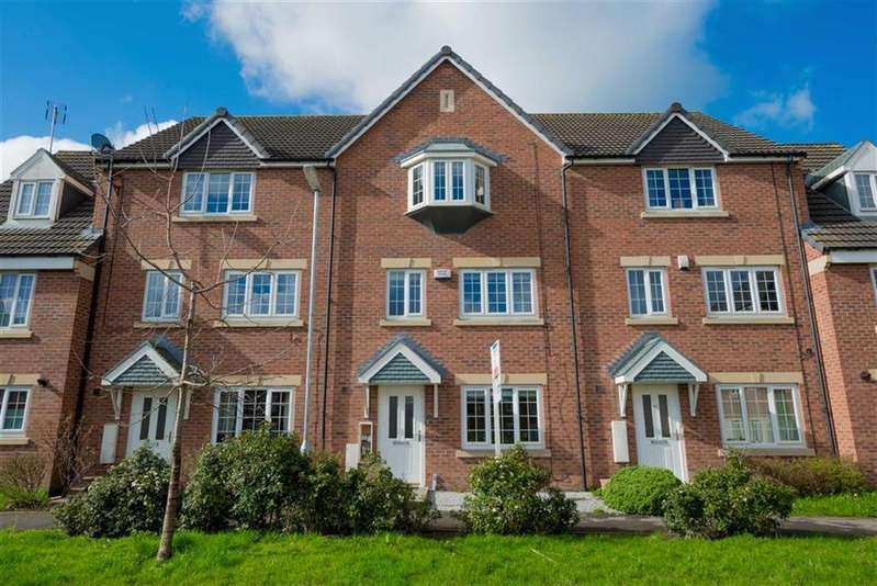 4 Bedrooms Town House for sale in Steel Green, New Farnley, Leeds, West Yorkshire, LS12