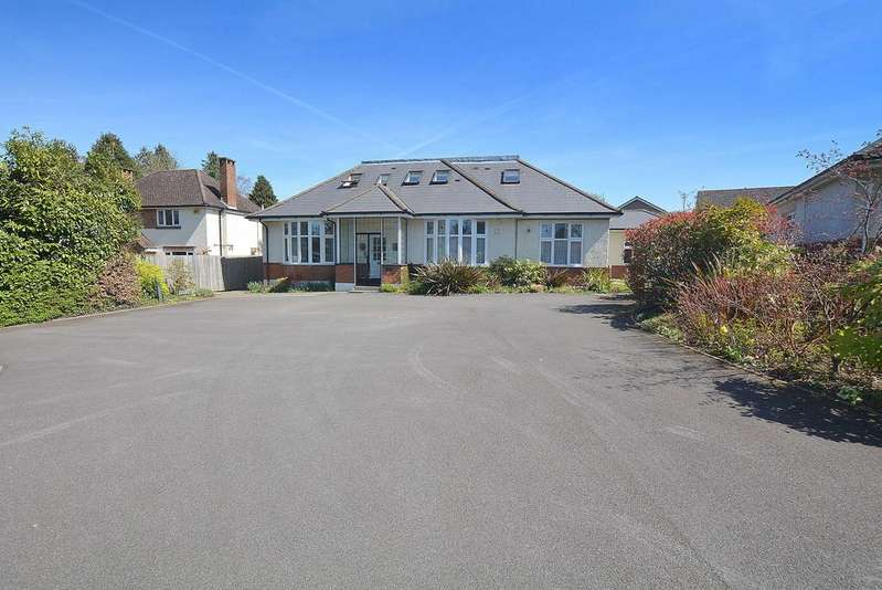 2 Bedrooms Ground Flat for sale in Gravel Hill, Wimborne