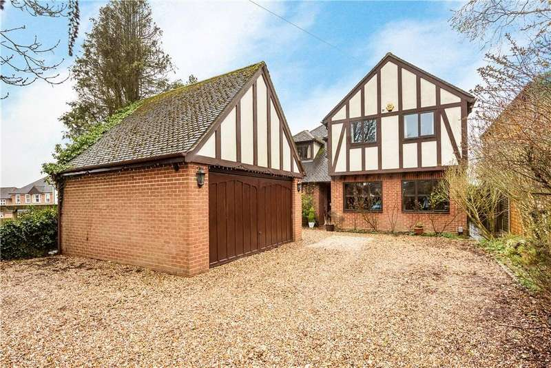 5 Bedrooms Detached House for sale in Plomer Green Lane, Downley, High Wycombe, Buckinghamshire, HP13