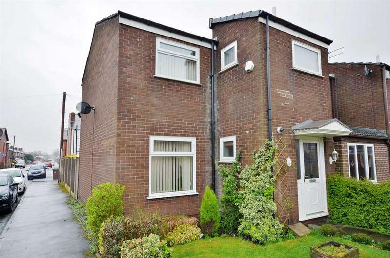 3 Bedrooms Mews House for sale in Orchard Close, Leigh