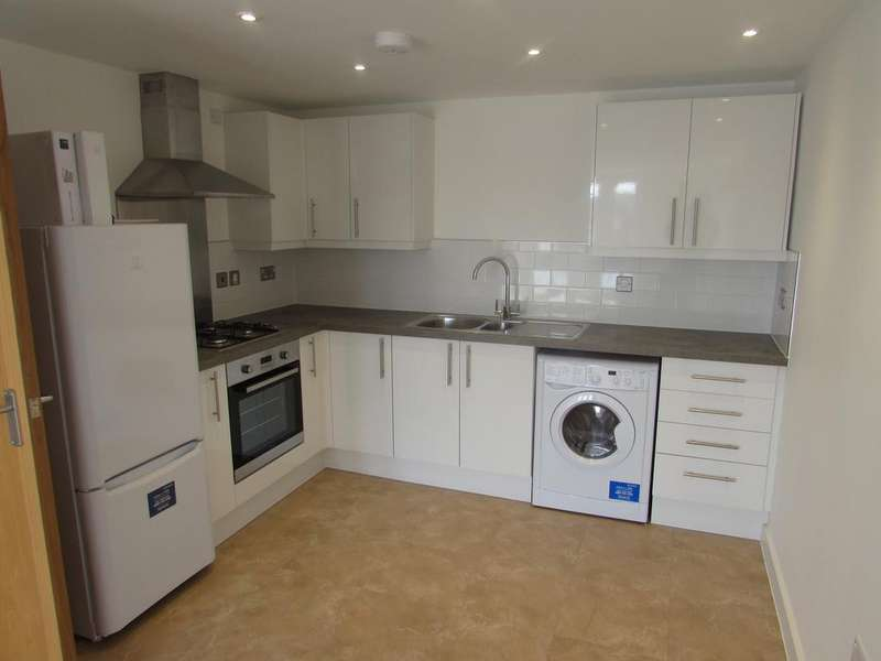 2 Bedrooms Apartment Flat for rent in High Street, Ventnor, Isle Of Wight, PO38