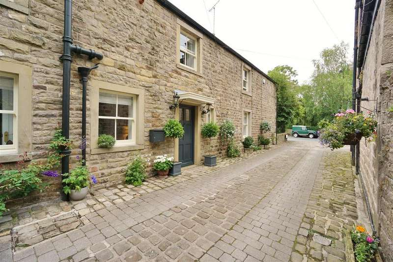 4 Bedrooms Semi Detached House for sale in King Street, Whalley