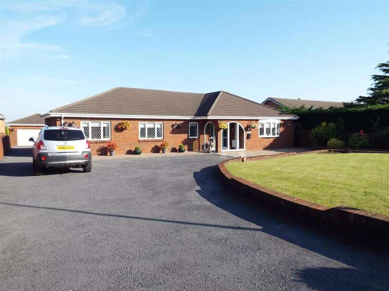 4 Bedrooms Detached Bungalow for sale in Bryn