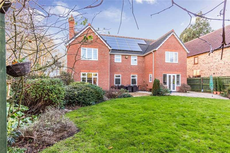 5 Bedrooms Detached House for sale in Millwood Gardens, Longthorpe, Peterborough, PE3