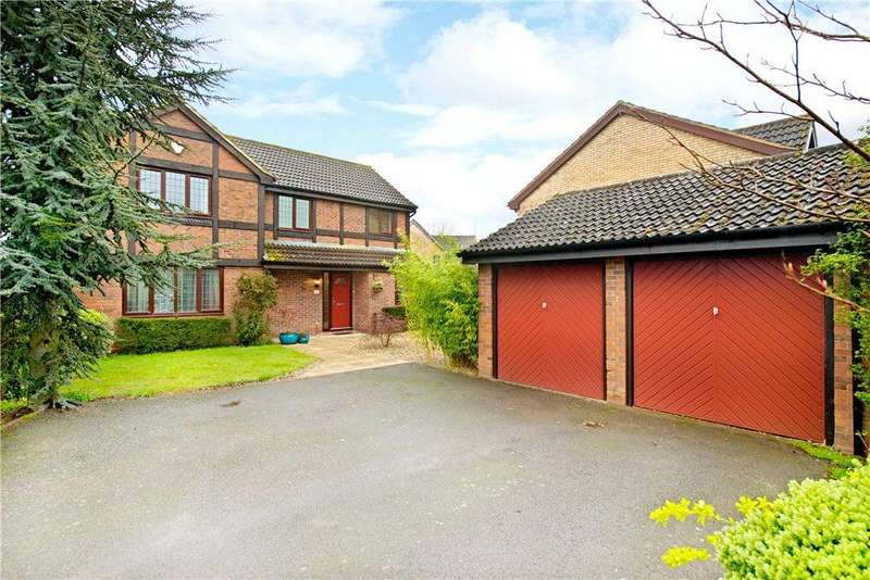 4 Bedrooms Detached House for sale in Flora Thompson Drive, Newport Pagnell, Buckinghamshire