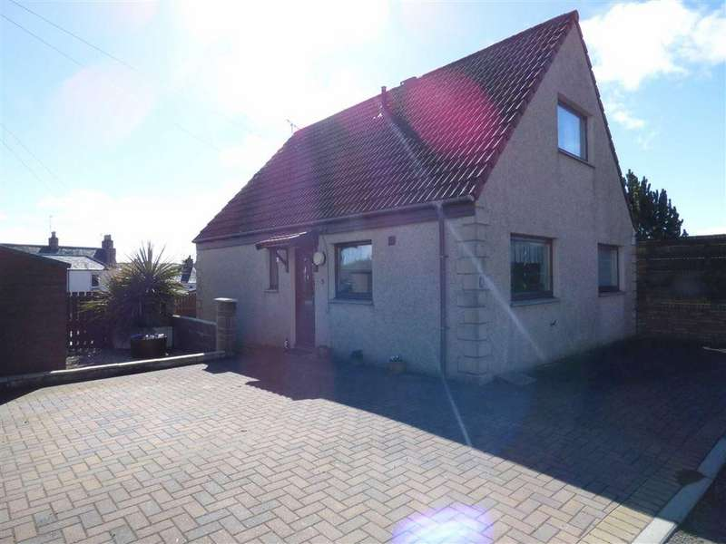3 Bedrooms Detached House for sale in Middleflat Court, Auchtermuchty, Fife