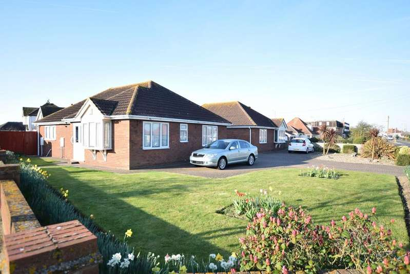 3 Bedrooms Detached Bungalow for sale in Frinton Road, Holland-on-Sea, Clacton-on-Sea