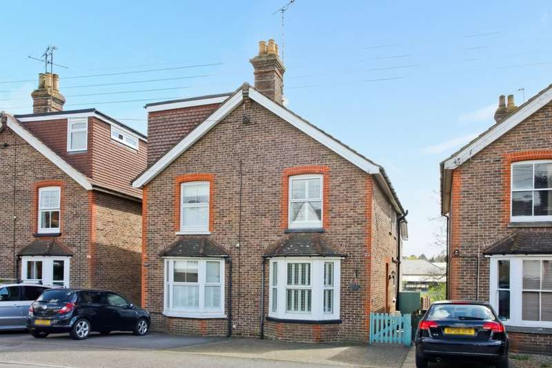 3 Bedrooms House for sale in College Road, Haywards Heath, RH16