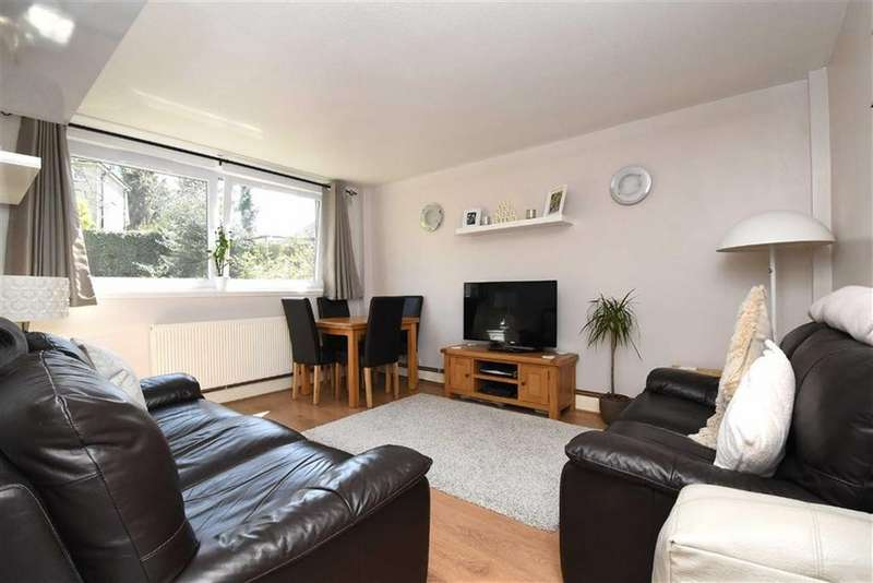 2 Bedrooms Flat for sale in Bromley Hill, Bromley, Kent