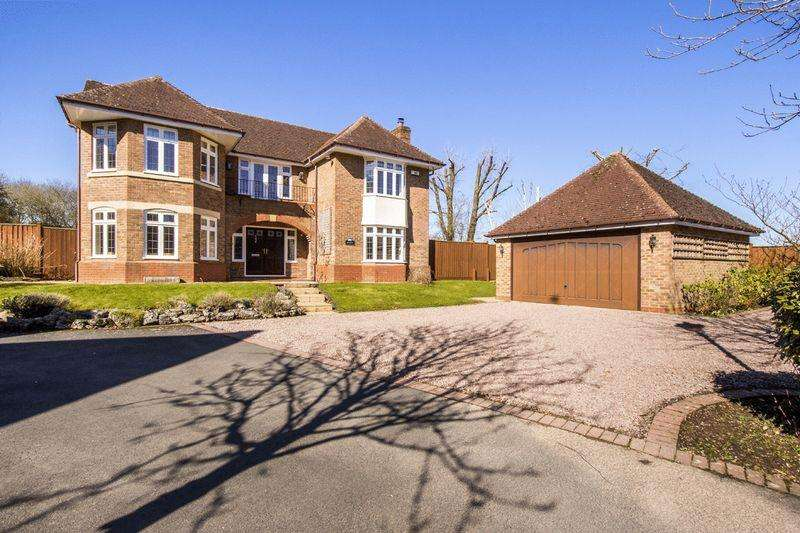 5 Bedrooms Detached House for sale in Claverdon, Warwickshire