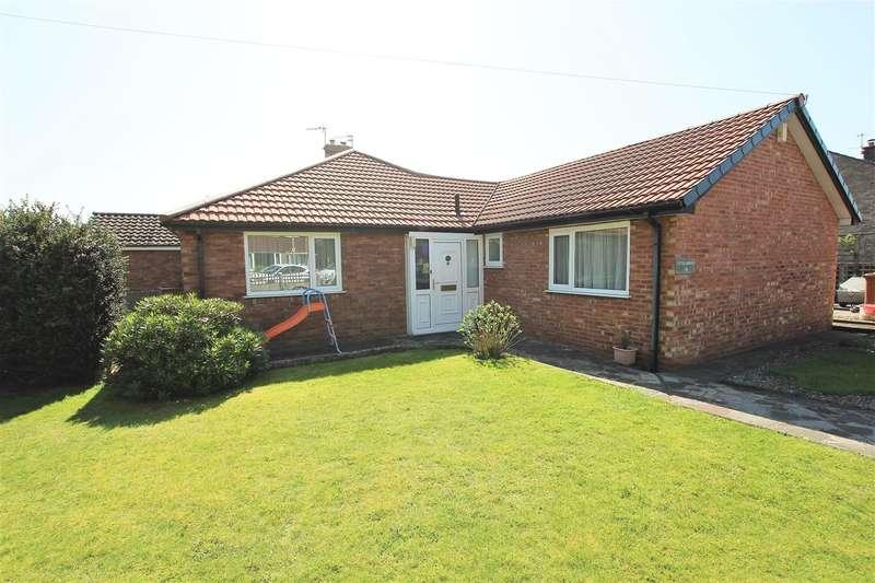 3 Bedrooms Semi Detached Bungalow for sale in Coniston Drive, Walton-le-Dale, Preston