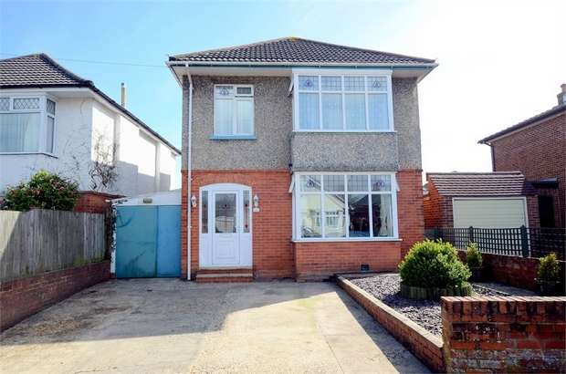 3 Bedrooms Detached House for sale in Strouden Road, Bournemouth, Dorset