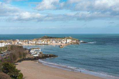 2 Bedrooms Maisonette Flat for sale in Trelyon Avenue, St Ives, Cornwall