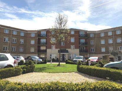 2 Bedrooms Flat for sale in Southend, Essex