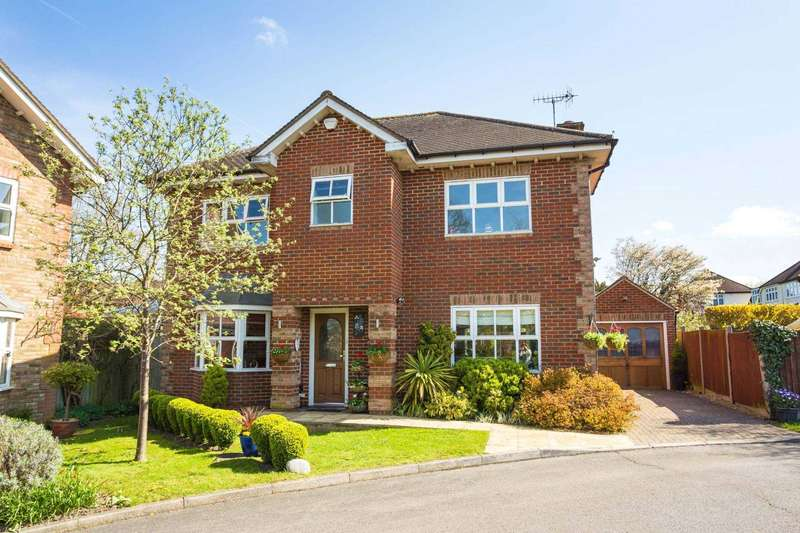 4 Bedrooms Detached House for sale in Wilcot Close, Oxhey