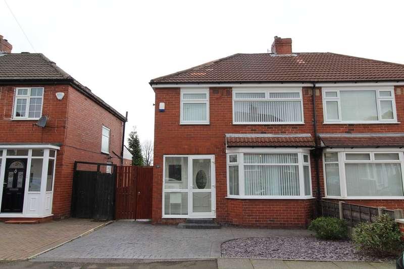 3 Bedrooms Semi Detached House for sale in Heathfield Road, Bury