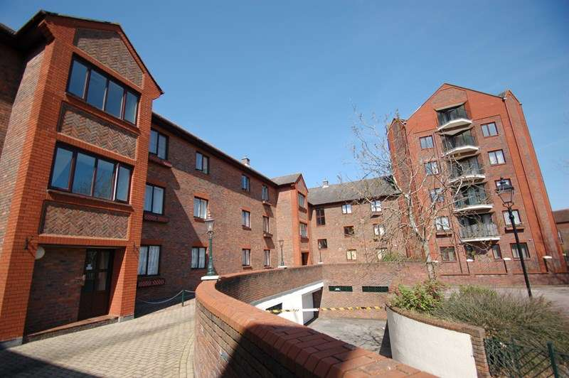 2 Bedrooms Apartment Flat for sale in Clarence Road, Gosport