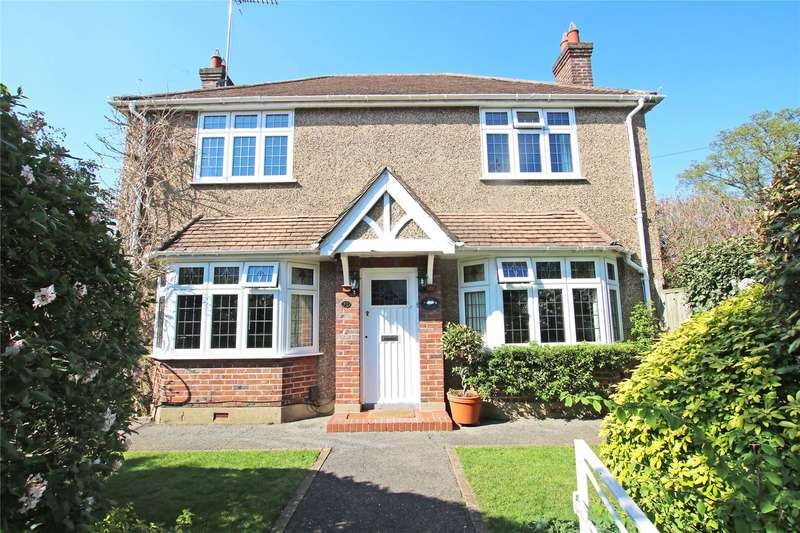 3 Bedrooms Detached House for sale in Mowbray Avenue, Byfleet, Surrey, KT14