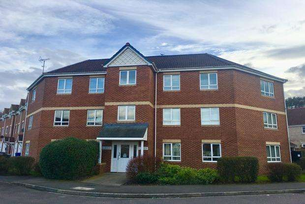 2 Bedrooms Flat for sale in Sandmartins Close, Mansfield, NG18