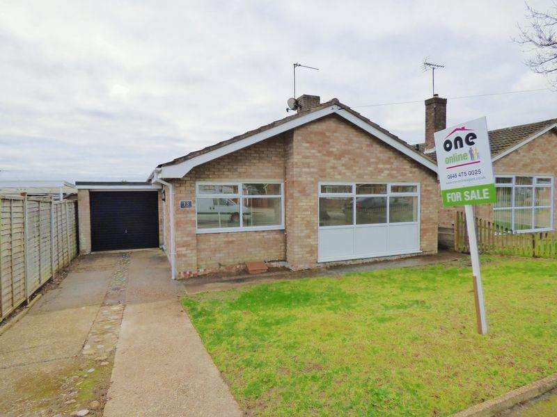 2 Bedrooms Detached Bungalow for sale in Glemsford Road, Lowestoft