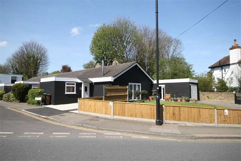 2 Bedrooms Semi Detached Bungalow for sale in Bankside Close, CARSHALTON, Surrey