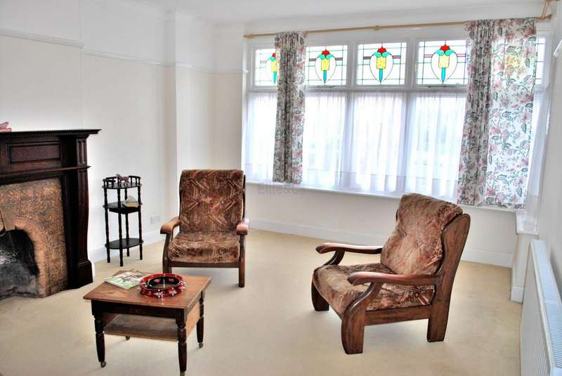 3 Bedrooms Semi Detached House for sale in Beckenham, BR3