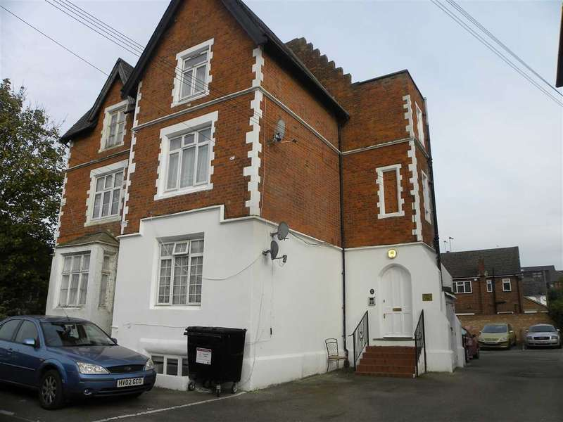Studio Flat for sale in Hencroft Street South, Slough