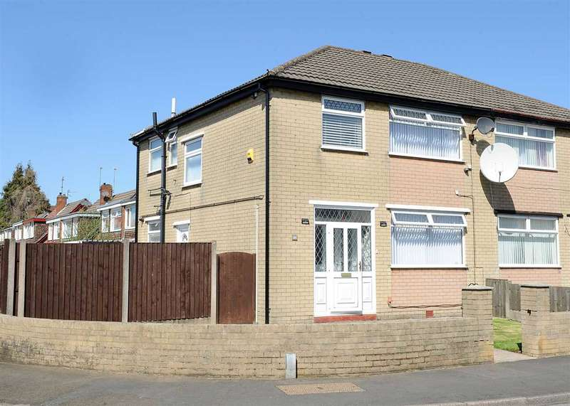 3 Bedrooms Semi Detached House for sale in Broadway, Irlam M44 6DQ