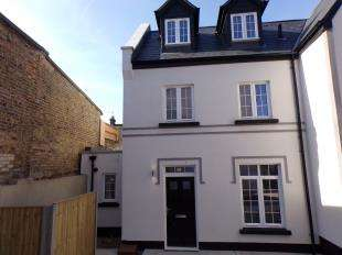 3 Bedrooms End Of Terrace House for sale in West Cliff Road, Ramsgate, Kent