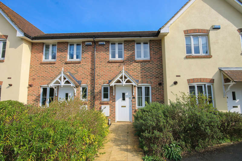 2 Bedrooms Terraced House for sale in Smeeds Close, East Grinstead