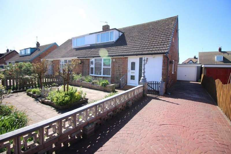 3 Bedrooms Semi Detached Bungalow for sale in Rydal Avenue, Fleetwood
