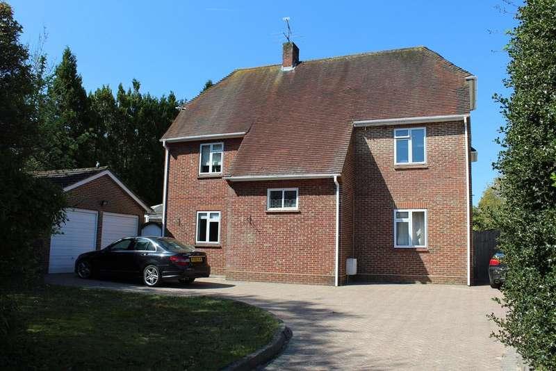 4 Bedrooms Detached House for sale in Rances Lane, Wokingham, Berkshire, RG40 2LH