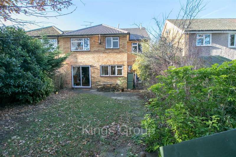 4 Bedrooms Semi Detached House for sale in Desborough Close, Hertford