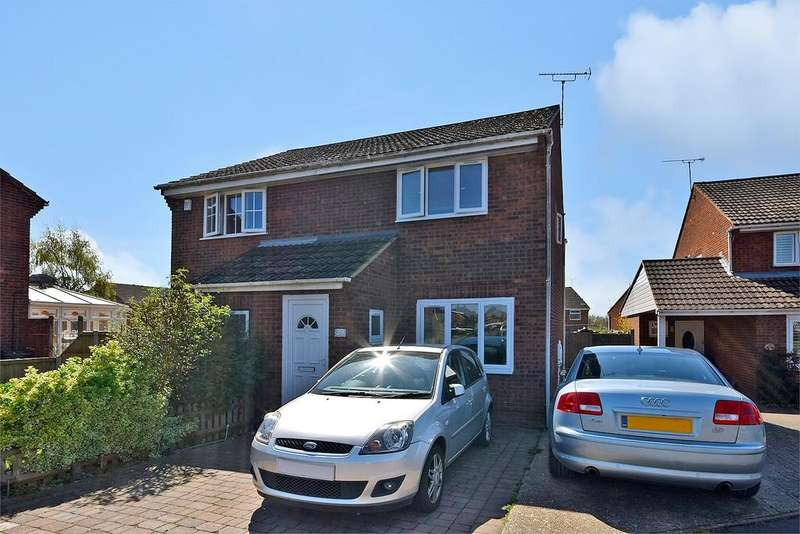 2 Bedrooms Semi Detached House for sale in Collard Road, Willesborough, Ashford
