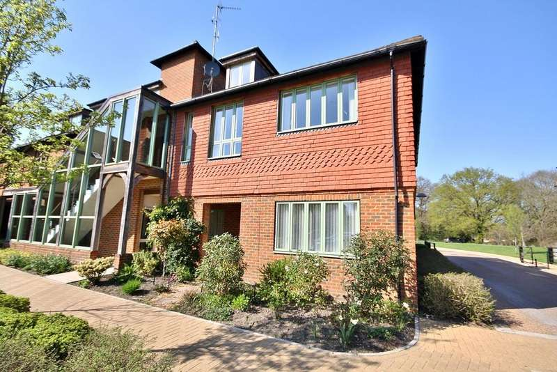 3 Bedrooms Retirement Property for sale in Mayford, Woking