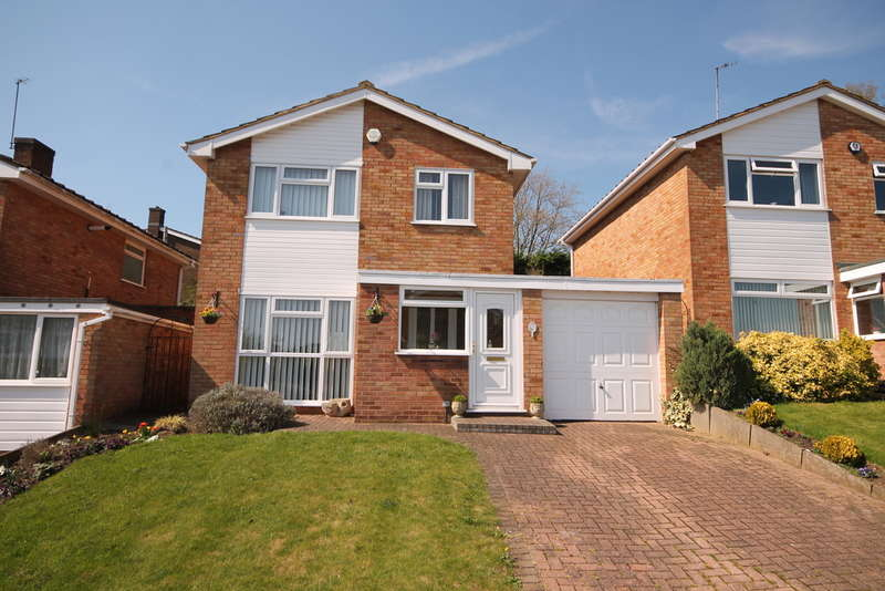 3 Bedrooms Detached House for sale in Reynolds Close, Bedford, MK41