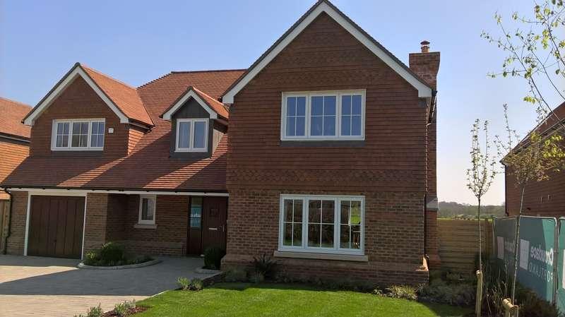 4 Bedrooms Detached House for sale in Bentley