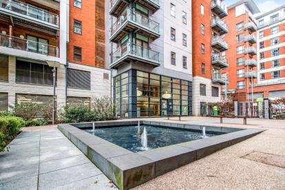 1 Bedroom Flat for sale in Barton Place, 3 Hornbeam Way, Manchester, Greater Manchester