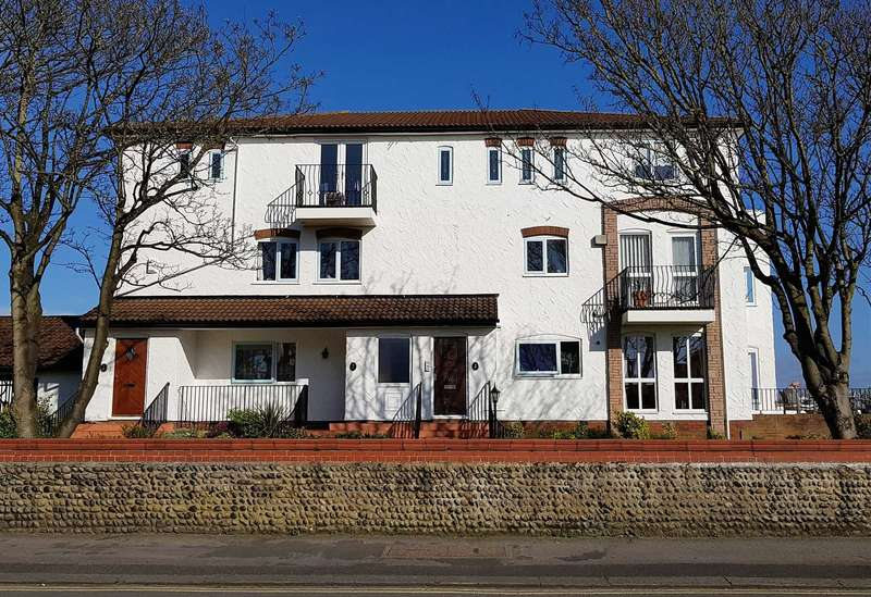 2 Bedrooms Duplex Flat for sale in Seville Court, Clifton Drive, Lytham