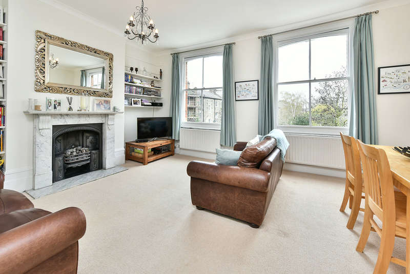 2 Bedrooms Flat for sale in Martineau Road, N5 1NG